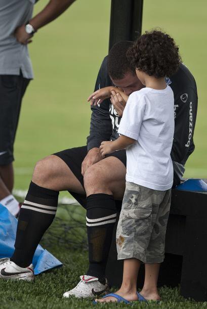 Además de Alex, Ronaldo es padre de Ronald, de 10 años de edad, fruto de...