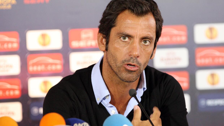 El técnico madrileño entrenará a Layún en la Premier League.