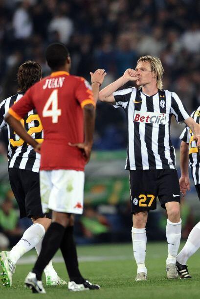 La 'Juve' se llevó el triunfo gracias a los goles de Milos Krasic y Ales...