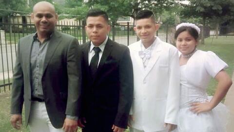 Los tres hijos adolescentes de Mario Maya se reunieron con su padre en E...