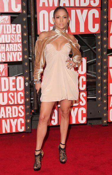 A veces, a la 'Diva del Bronx' le basta con un toque de brillo sobre su...