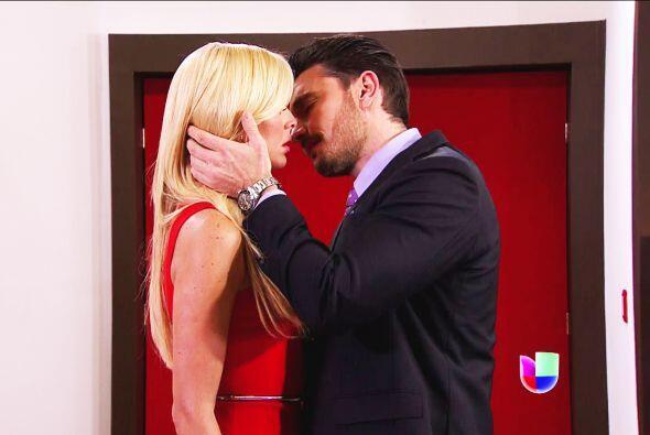 Ni modo Patricio, Sofía jamás ha sentido lo mismo con tus besos.
