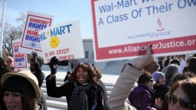 Las cerca de 1.6 millones de empleadas y ex empleadas del distribuidor e...