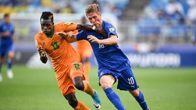 Italia accede a semifinales tras ganar en la prórroga a Zambia