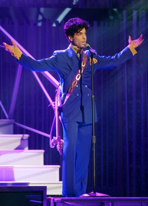 Prince, leyenda de la música, muere a los 57 años GettyImages-2948991.jpg
