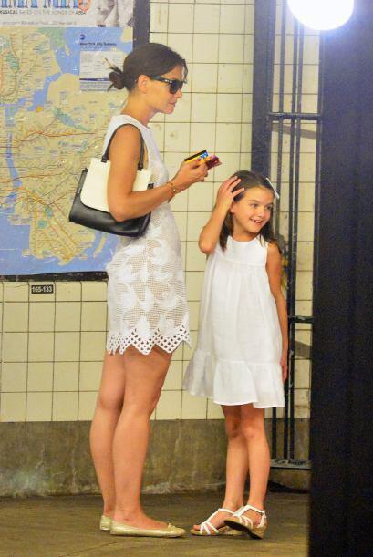 No olvidemos que en varias ocasiones captamos a la pequeña haciendo trem...