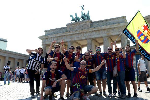 Todo listo en el Olympiastadion donde Juventus y Barcelona se enfrentarán.