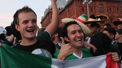 En fotos: Festejo Tricolor en la Plaza Roja de Moscú, sucursal lejana del Zócalo
