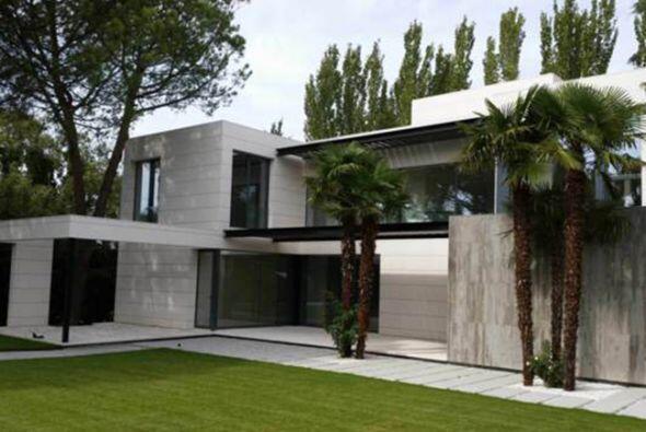 La nueva residencia de Javiér Hernández se encuentra en la urbanización...