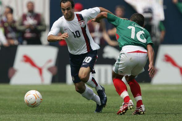En éste certamen le anotaría a México el gol más doloroso de los enfrent...