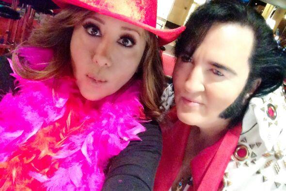 Jessica Maldonado con Elvis Presley