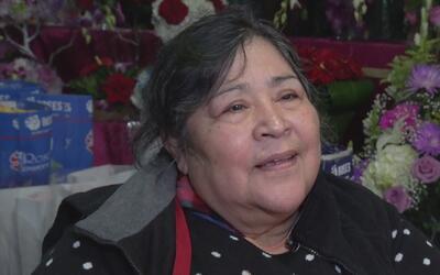 Una vendedora de flores de Guanajuato cuenta cómo llegó a los Estados Un...