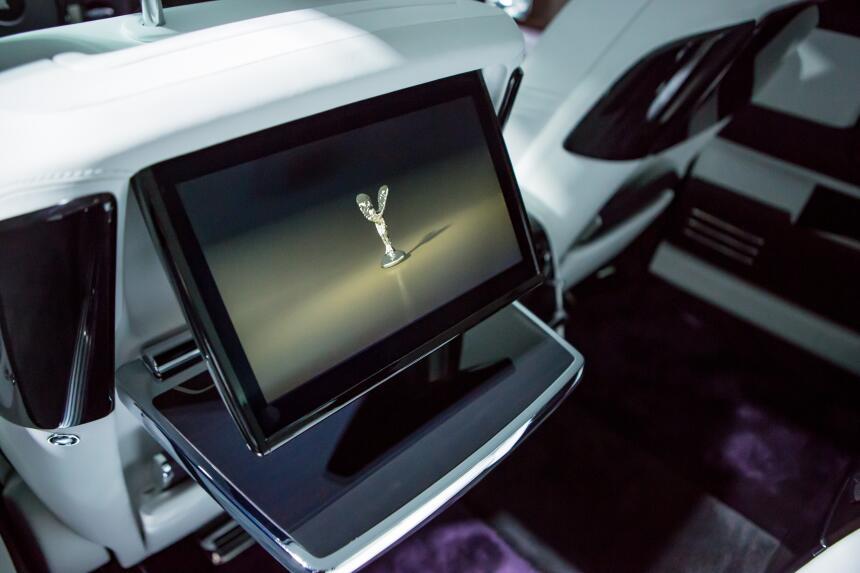 El nuevo Rolls-Royce Phantom VIII en fotos RR PHANTOM VIII EWB (9).jpg