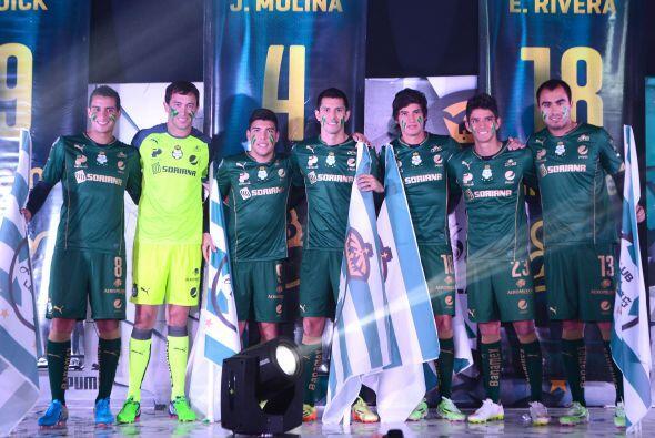 Santos Laguna también presentó su tercer uniforme para el torneo Clausur...