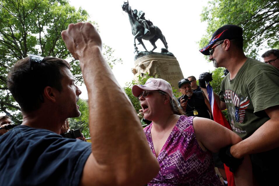 Ilia Calderón frente Chris Barker, miembro del Ku Kux Klan: odio, discri...