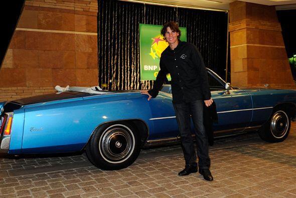 Rafael Nadal descendió de ese bonito clásico azul y con to...