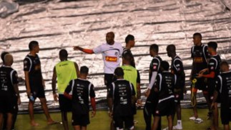 Dely Valdés ya tiene su lista para comenzar el hexagonal de la Concacaf.
