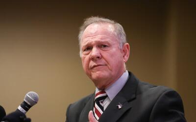 EL candidato republicano al Senado por Alabama, Roy Moore, se defendió d...