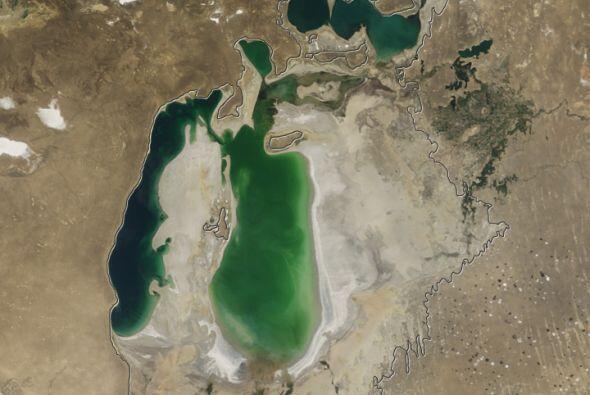 En el 2008, el rápido declive de los niveles del Mar Aral fue calificado...