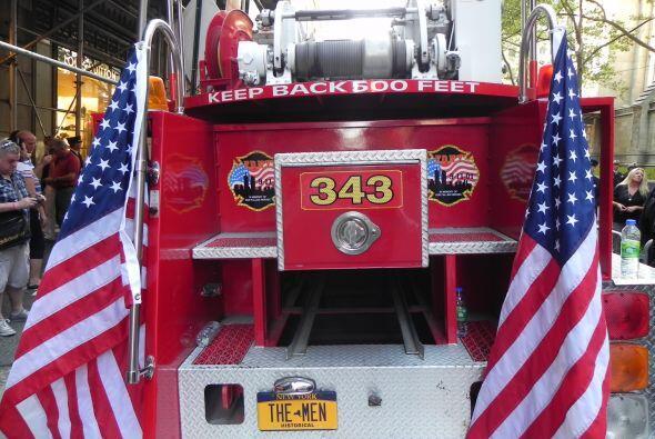 Carro bombero recuerda a sus caídos el 9/11 a7ec6e43777540819b06a28e60ad...