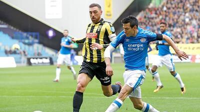 La 'Chuckymanía' continúa, Hirving Lozano se despachó con dos goles más en triunfo del PSV