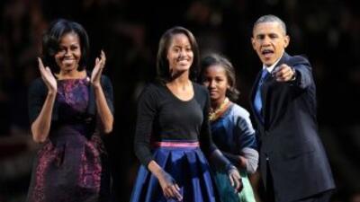 El presidente Barack Obama, su esposa Michelle y sus hijas Sasha y Malia...
