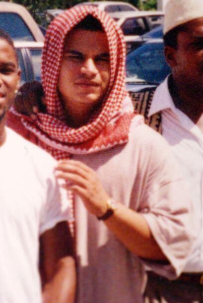 """Mayo de 2002  José Padilla fue arrestado con cargos de planear una """"dirt..."""