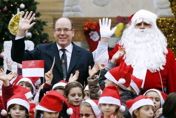 En Mónaco hasta se dejó ver al lado del Príncipe Alberto II.
