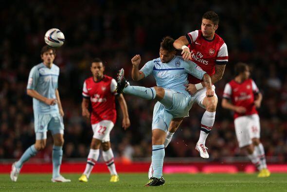 Arsenal recibió al Coventry, partido en el que en teoría l...