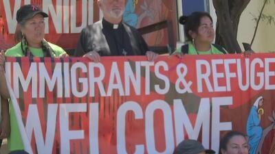 Comunidad de Orange dio inicio a una caminata en busca de una solución a la crisis en la frontera