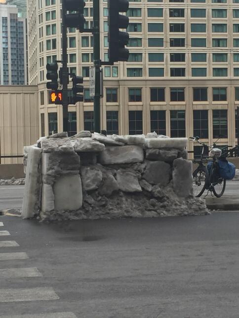 Construyen Iglú en pleno corazón de Chicago