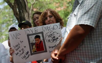 Deportan a Ecuador a estudiante que había llegado a EEUU con su madre en...
