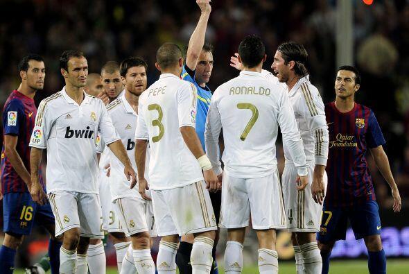 Durante el partido no faltaron los momentos ríspidos y el Real Ma...
