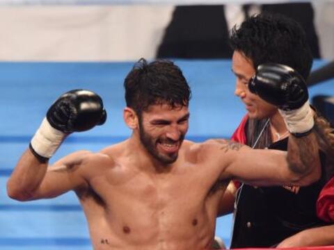 El venezolano Jorge Linares se coronó campeón ligero del C...