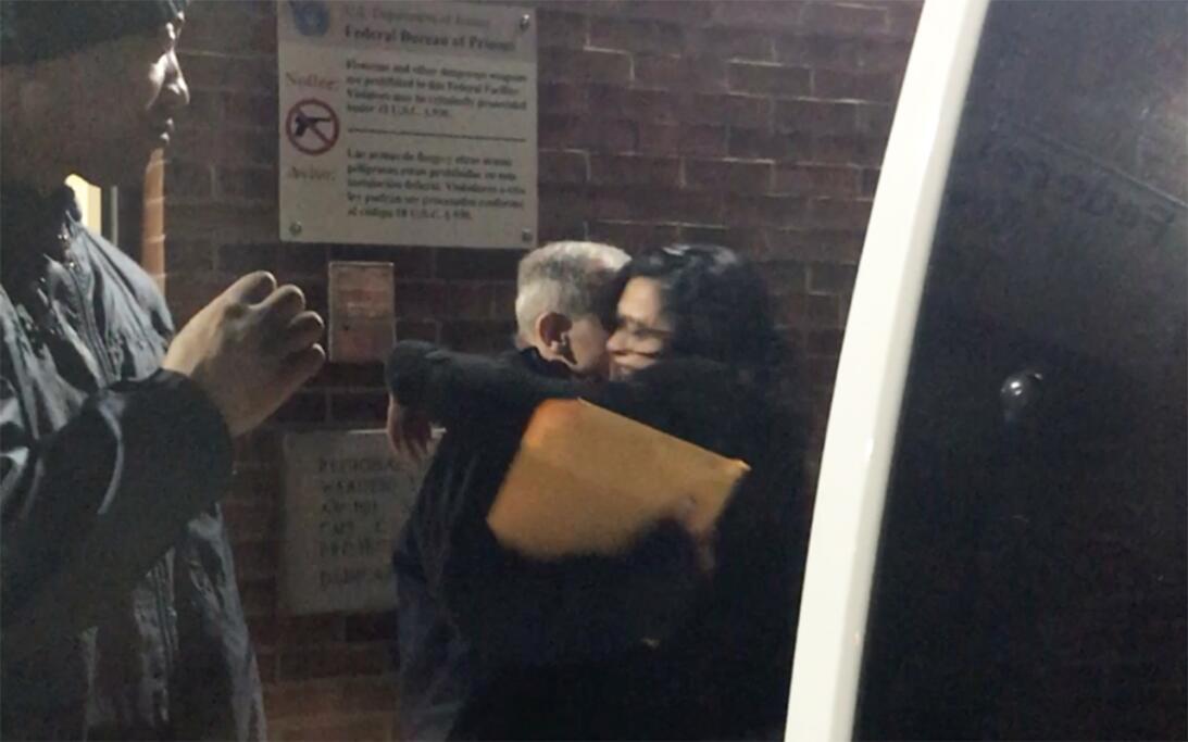 Las primeras imágenes de Oscar López al salir de prisión después de 35 a...