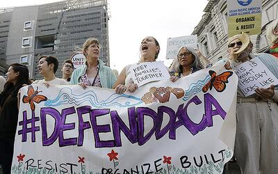 La Acción Diferida de 2012 (DACA) protege de la deportació...