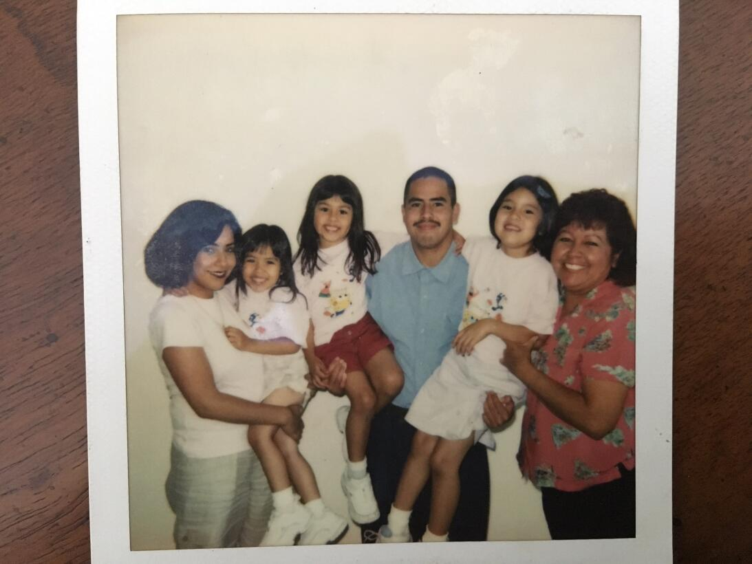 Las tres hijas de David Díaz, entonces de 6, 5 y 4 años, visitaban a su...