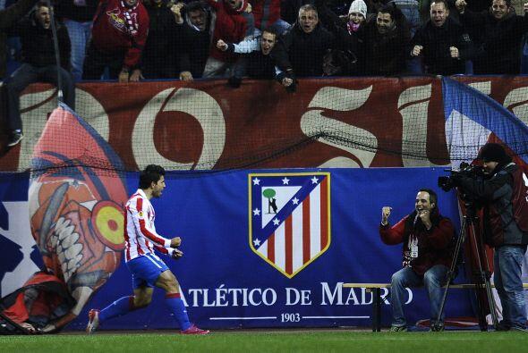 M´s tarde fue Sergio Agüero quien anotó en favor de lo...