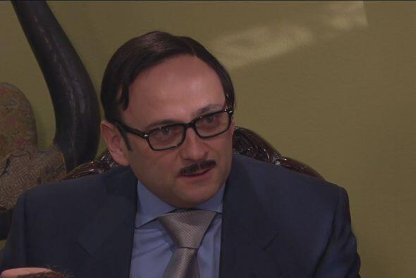 Cipriano convocó a todos a una junta para nombrar al empleado del mes.
