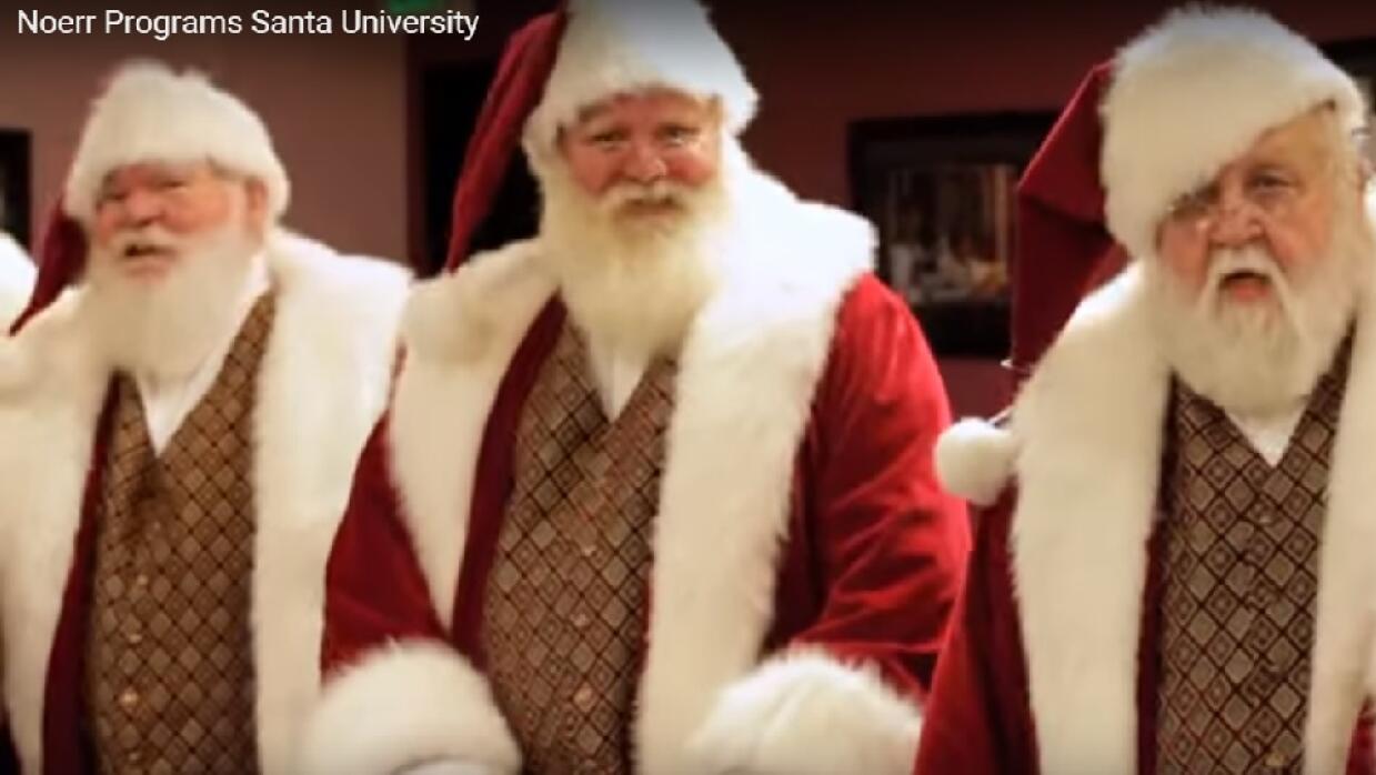 """Universidad para entrenar a """"Santas"""" santa%202.jpg"""