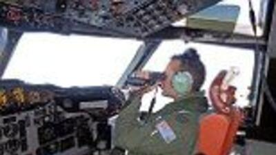 Oficiales malayos revelaron que el piloto borró información de su simul...