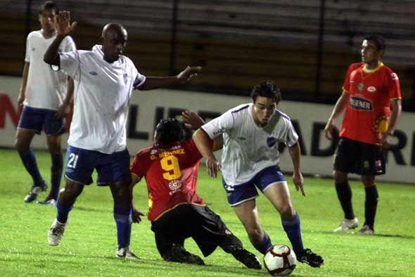 En el estadio Alejandro Serrano el Cuenca hizo las veces de local ante a...