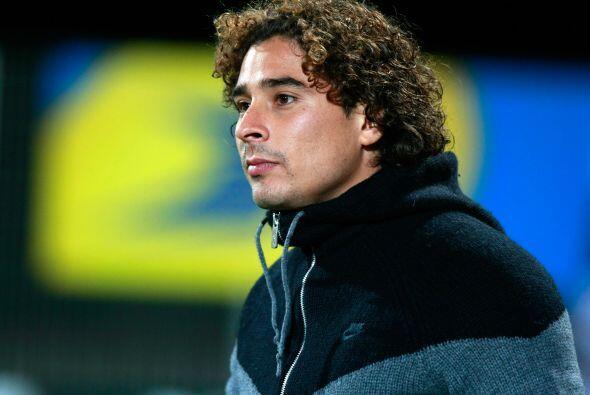 En la portería no podría faltar el mexicano Guillermo Ochoa.