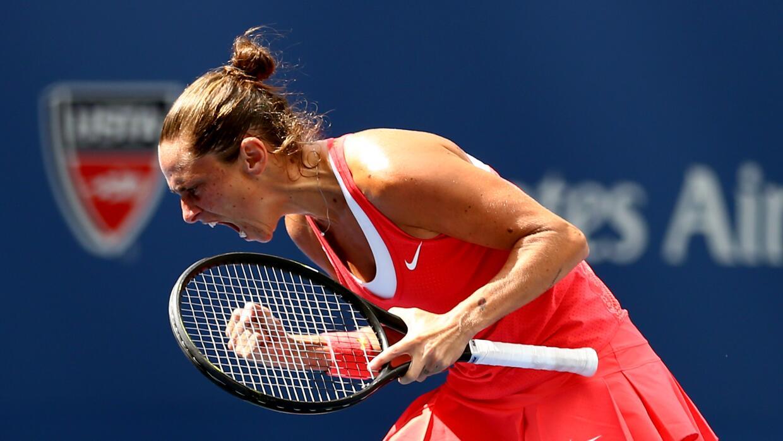 Roberta Vinci celebra su triunfo sobre Serena Williams