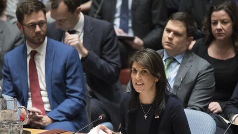 La embajadora de Estados Unidos ante la ONU, Nikki Haley, durante la reu...