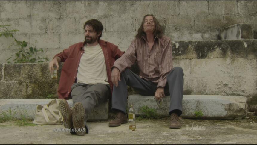 Damian decidió emborracharse con el médico del pueblo.