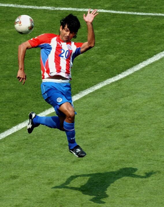 'Loco' Abreu vestirá en Uruguay su camisa 25 GettyImages-51528443.jpg