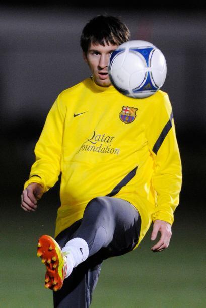 Lionel Messi se pasó gran parte de la práctica jugando con un balón por...