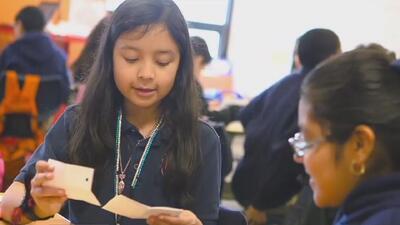 El programa de las escuelas públicas chárter KIPP que ofrece apoyo y orientación a los dreamers