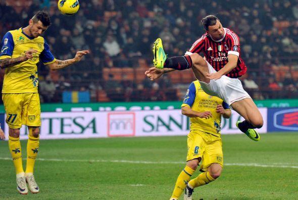 Milan se encargó de cerrar la fecha dominical en partido ante el...